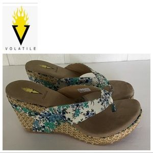 VOLATILE ROPE WEDGE FLORAL SANDALS SIZE 9 NWOT